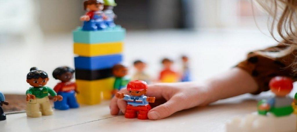 با انتخاب اسباب بازی مناسب، مهارتهای فرزند خود را تقویت کنید